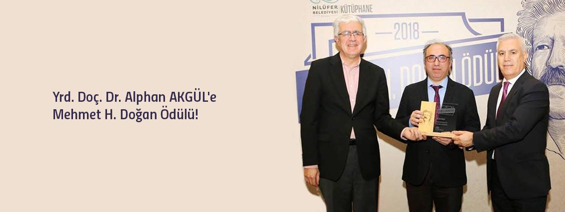 Türk Dili ve Edebiyatı Bölümü Öğretim Üyemiz Yrd. Doç. Dr. Alphan AKGÜL'e Mehmet H. Doğan Ödülü!