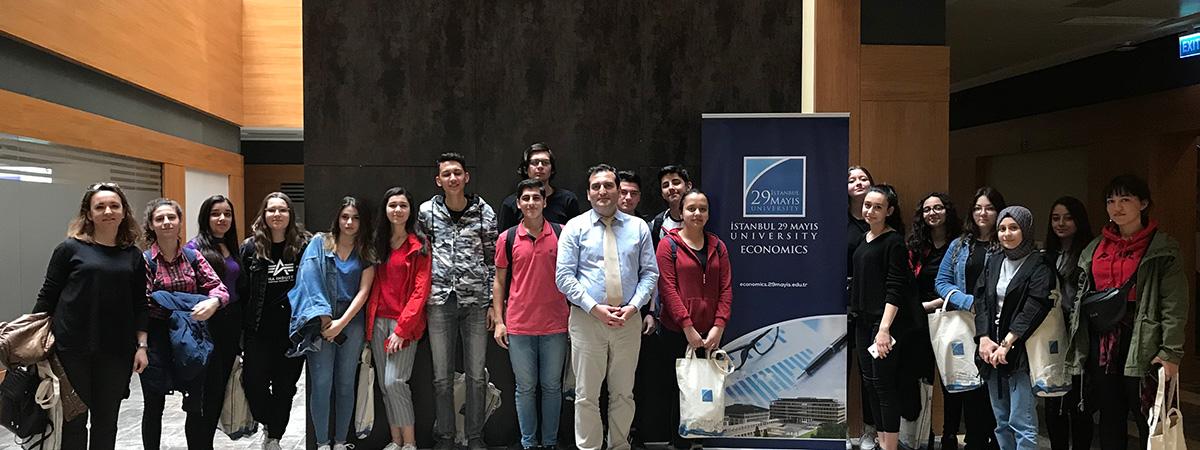 Ekonomi (İngilizce) Bölümünden Lise Öğrencilerine Gönüllü Python ile Kodlamaya Eğitimi