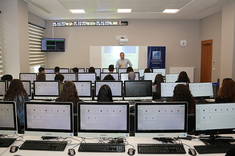 İstanbul 29 Mayıs Üniversitesi Ekonomi (İngilizce) Bölümü Python Eğitimi